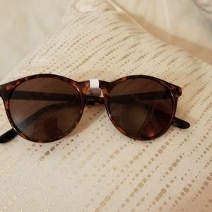 Nwt Aj Morgan sunglasses